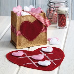 Burlap Valentine Tic Tac Toe Game