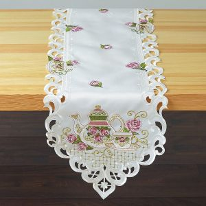Teapots & Roses Table Runner