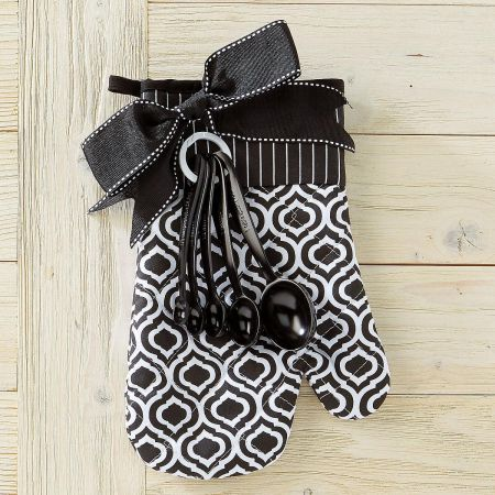 Black Oven Mitt & Measuring Spoon Set