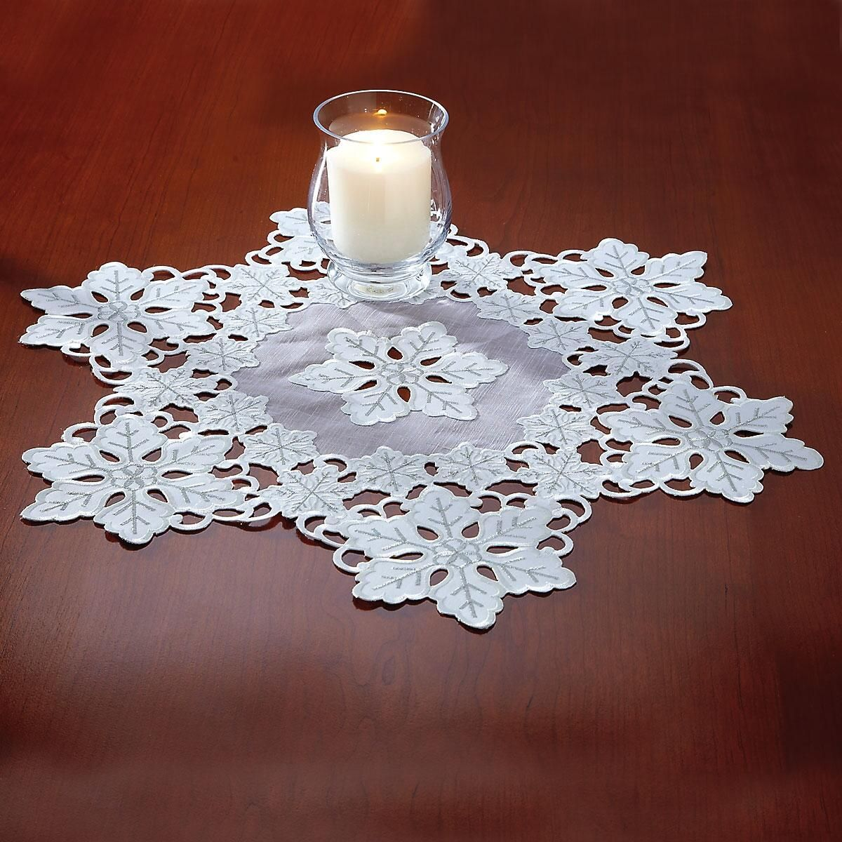 White & Silver Snowflake Round Table Linen