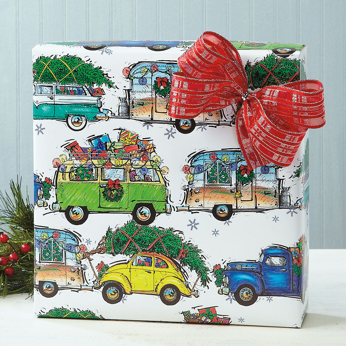 Christmas Vacation Jumbo Rolled Gift Wrap and Labels