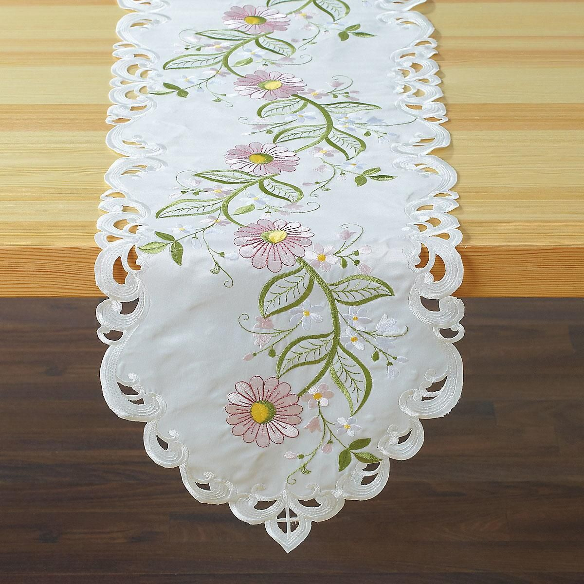 Pink Daisies Table Runner