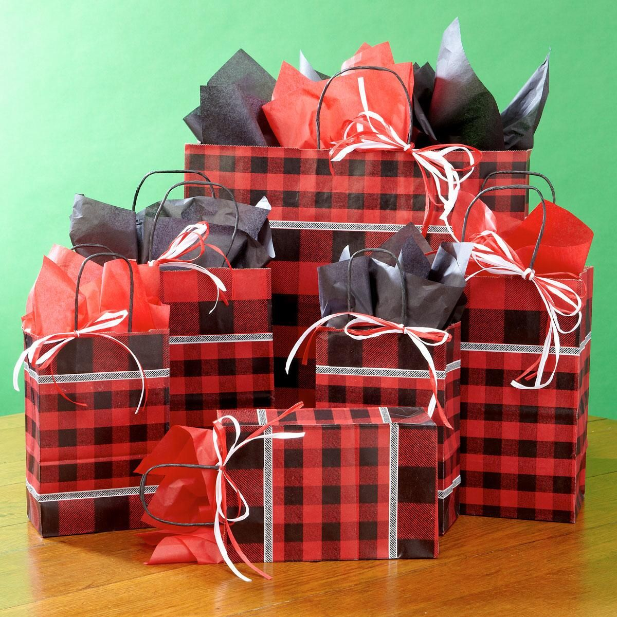 Buffalo Plaid Gift Bag Set