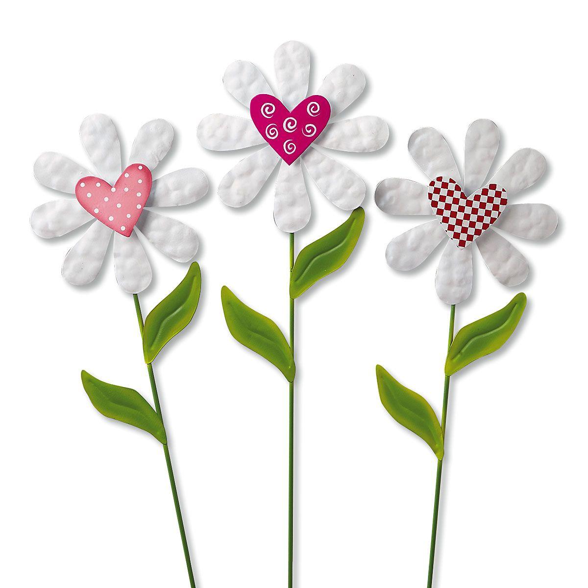 Daisy Heart Metal Garden Stakes