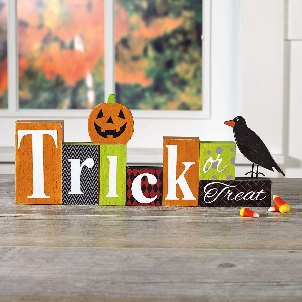 Trick or Treat with Crow Halloween Blocks