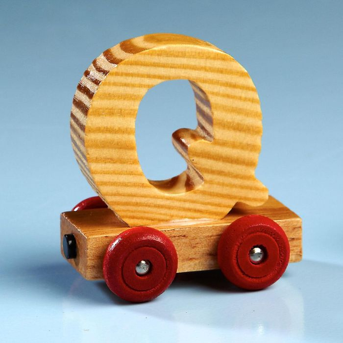 Letter Car - Q