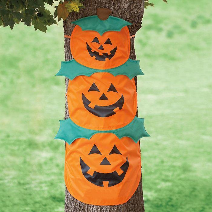 Pumpkin Trio Tree Hugger
