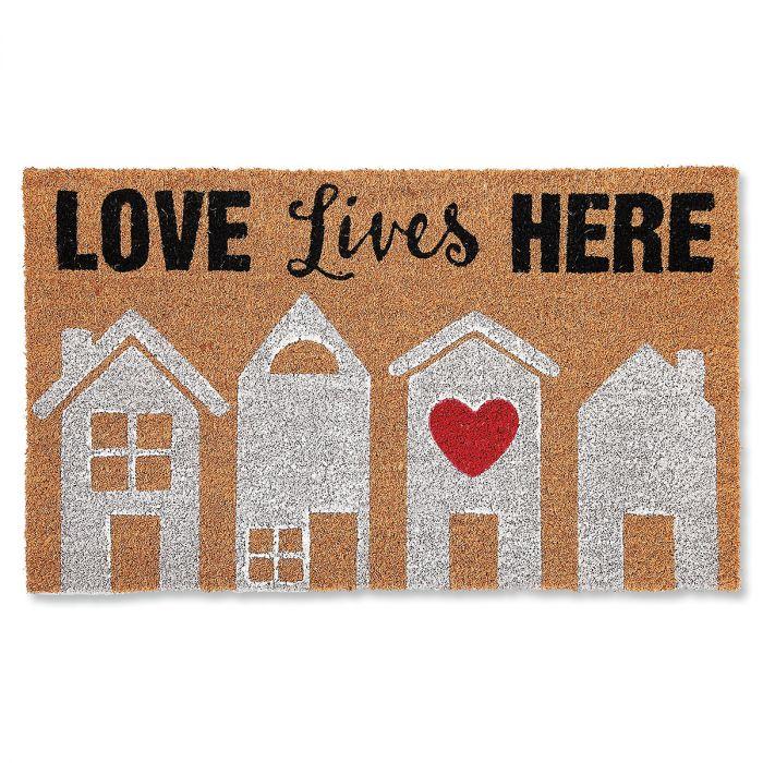 Love Lives Doormat