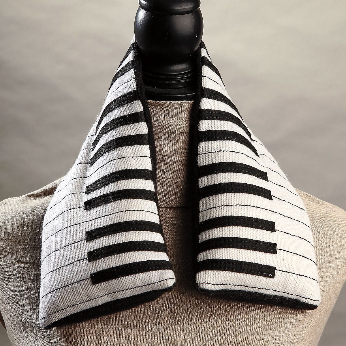 Piano Keyboard Neck Warmer